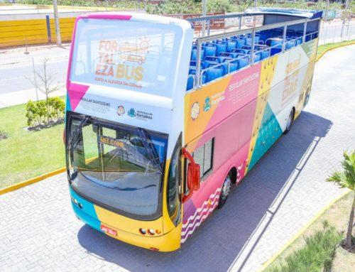 Em operação desde novembro, ônibus turístico transporta 350 passageiros por mês em Fortaleza
